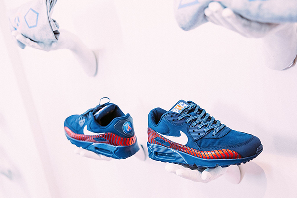 official photos e974e 210aa Exclusive PSG x Nike Air Max 90 plus other PSG ...