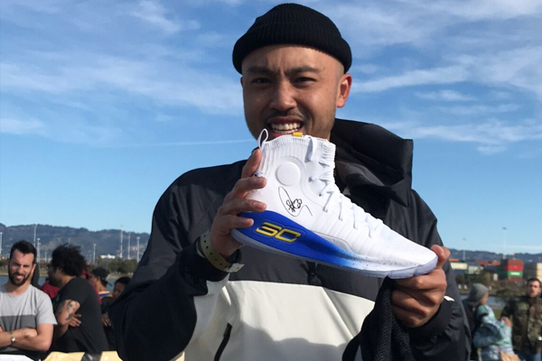 234808938363 DroneDrop  UA Drops Autographed Curry 4 Pairs to Dub Nation